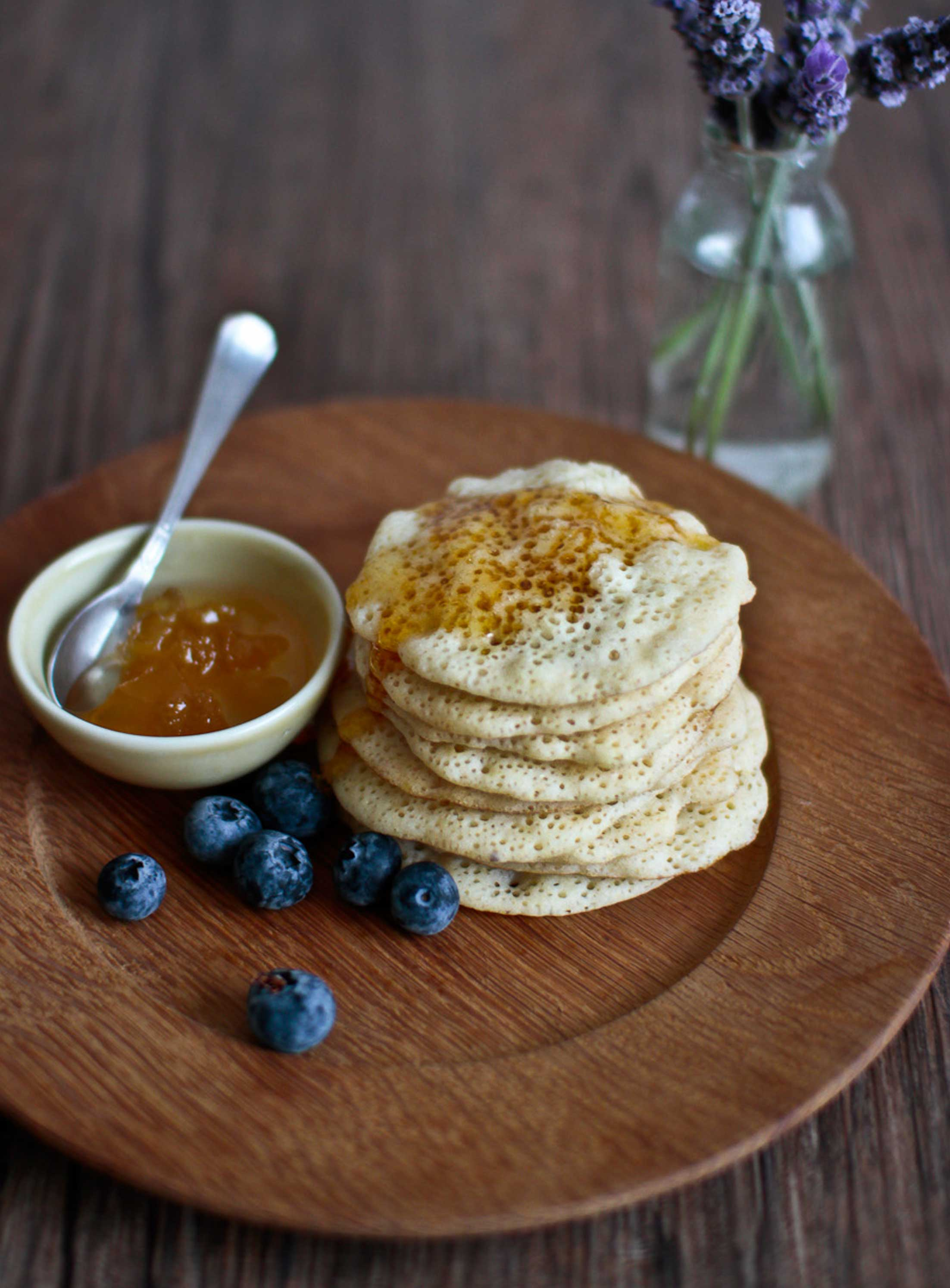 Moroccan-Beghrir-Pancakes-with-honey