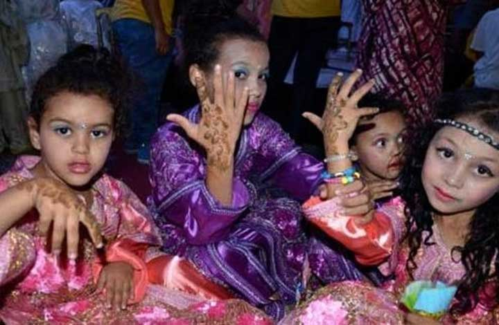 Moroccan-children-celebrate-The-Night-of-Destiny-Ramadan