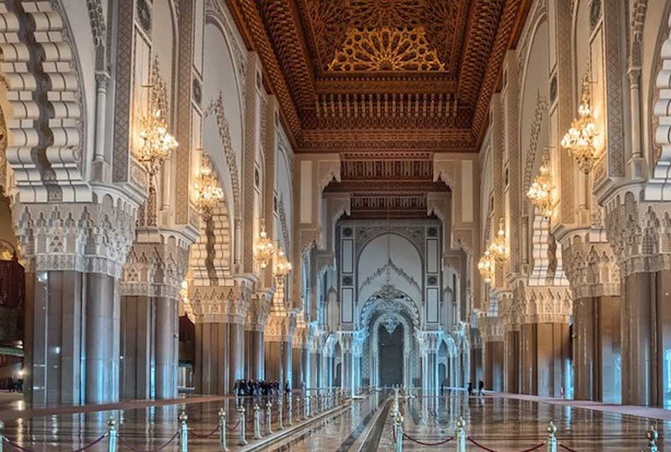inside the hassan 2 mosque