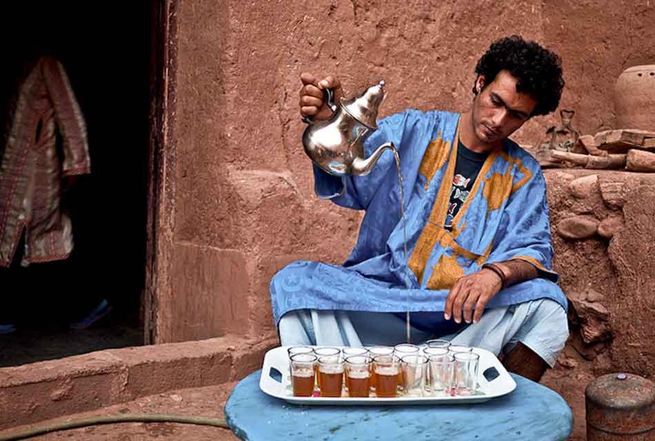 Moroccan Tea Pouring